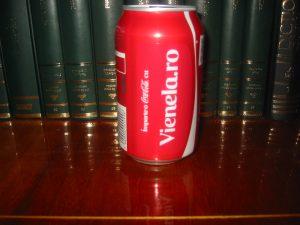 Imparte o Coca-Cola cu Vienela.ro
