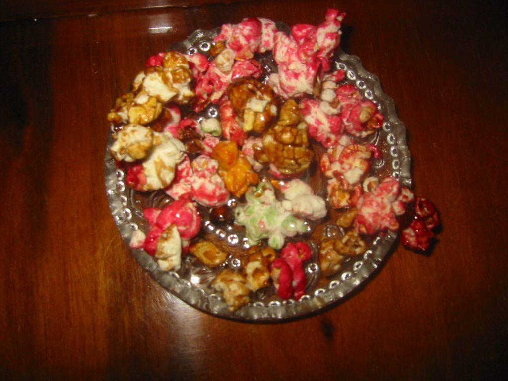 floricele de porumb colorate