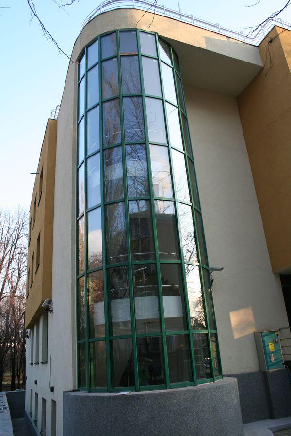 perete cortina circular biodinamica