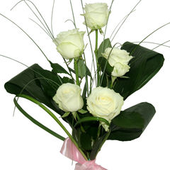 flori-buchet-de-5-trandafiri-albi-323