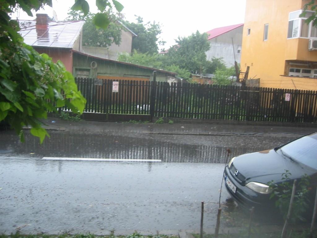 ploaie-torentiala-furtuna-1024x768