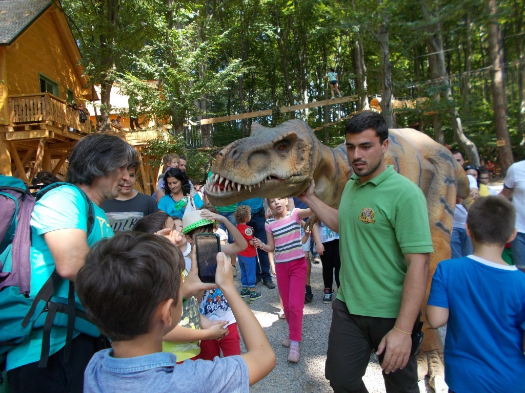 pui-dinozaur-dino-park-rasnov-1024x768