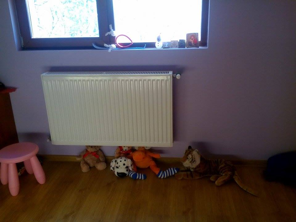 camera fetita 8 ani