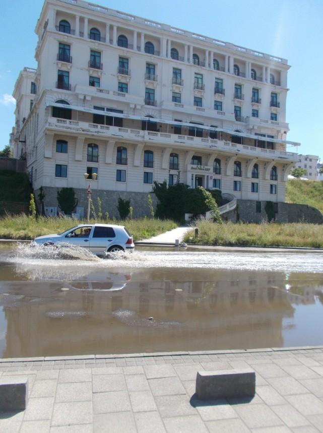 hotel piscina constanta
